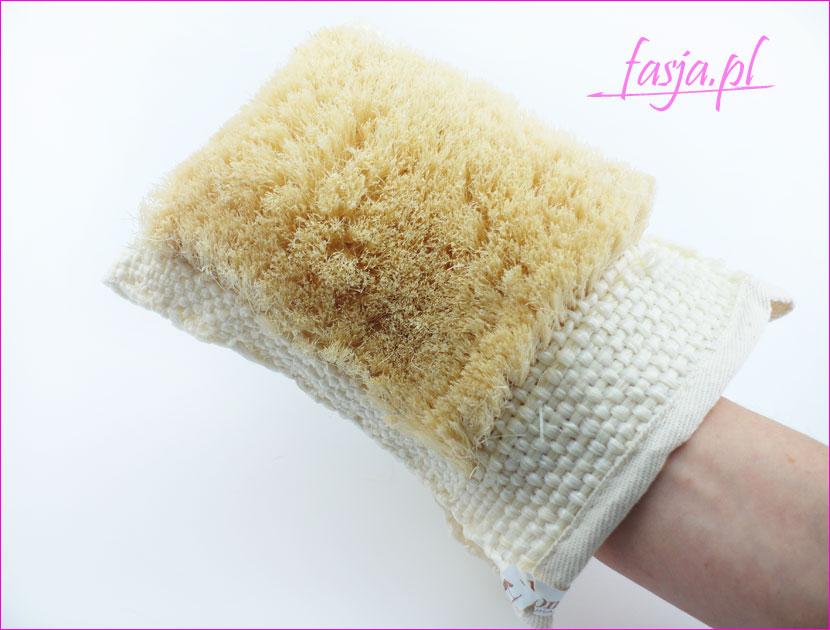 rękawica z naturalnego włókna do masażu ciała