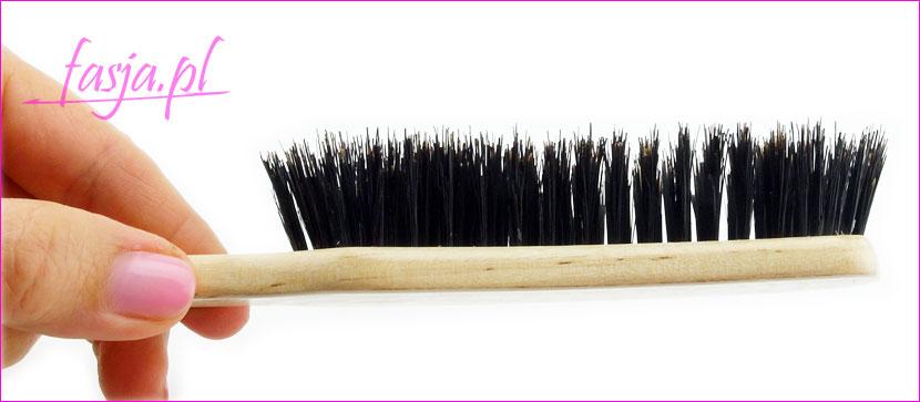 jak szczotkować włosy