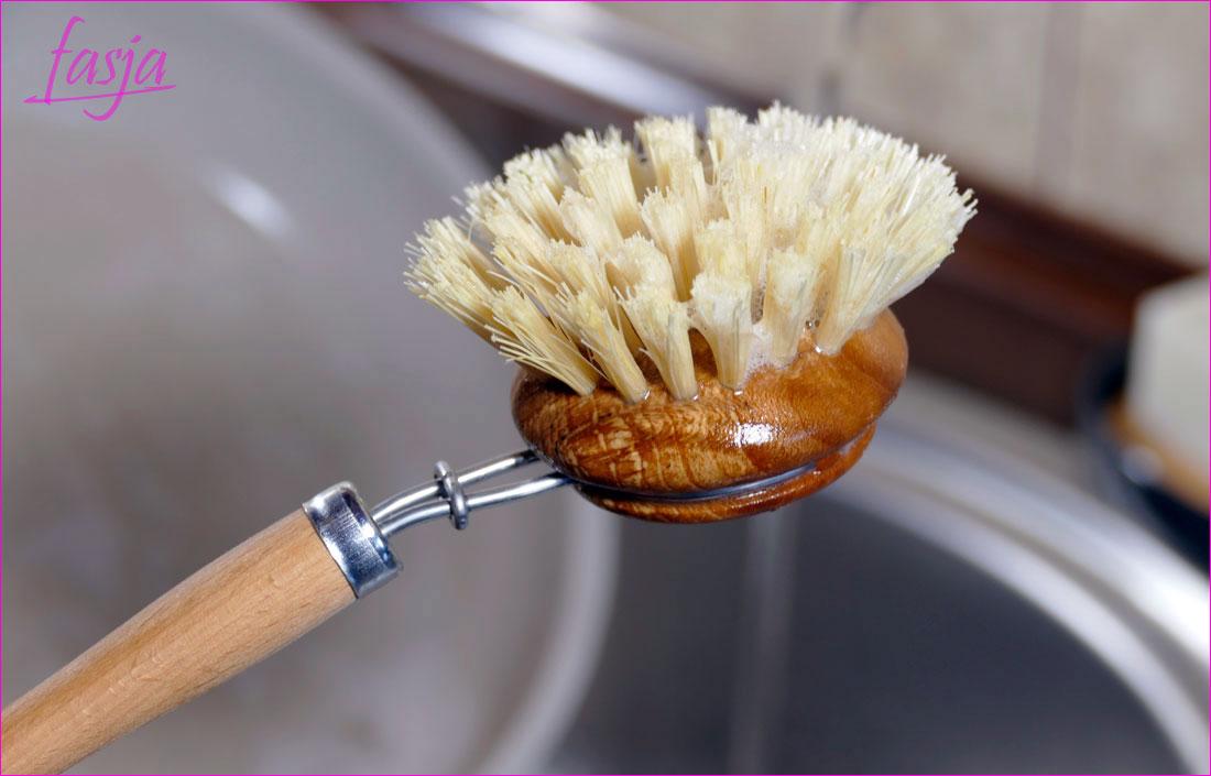 Ekologiczna szczoteczka do mycia garnków zero waste